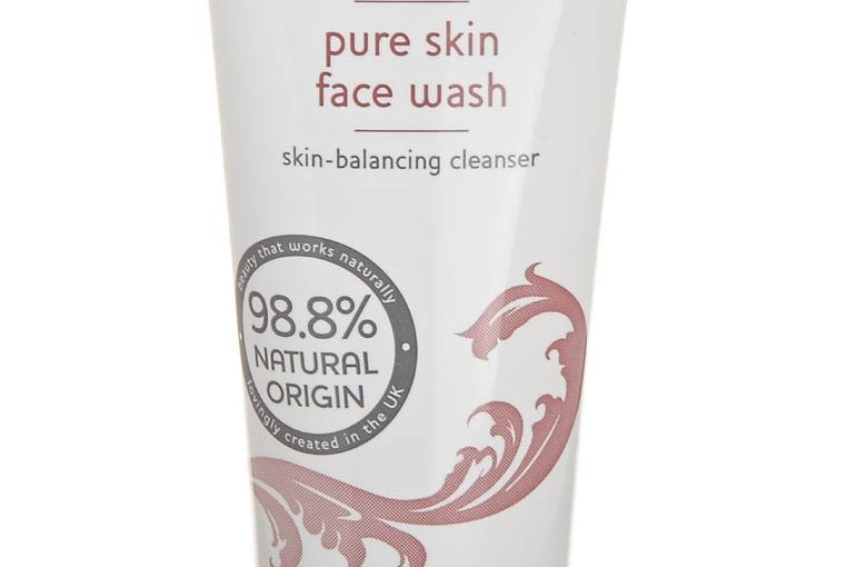 Review balanceMe Pure Skin Face Wash