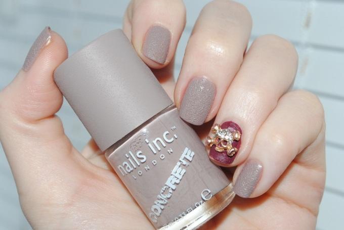 nails+inc+concrete+effect+nail+polish+london+wall