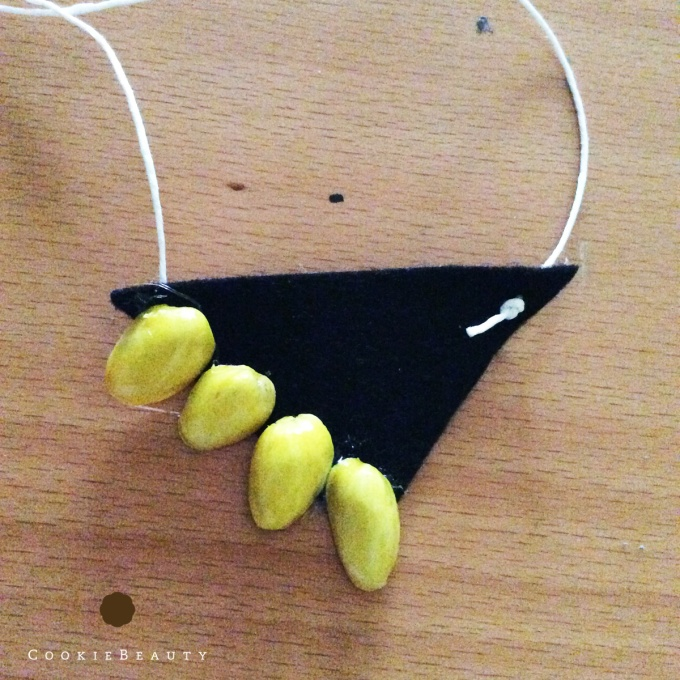 pistachio-necklace5